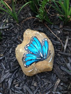 Another pinner says: this butterfly rock I painted for my sisters, I love butterflys!!