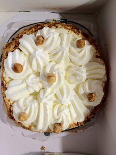 A hazelnut pie from famous baker Brokking in Dordrecht, the Netherlands, simply called Brokking Dutch Recipes, Netherlands, Dutch Food, Pie, Family Roots, Sweets, Baking, Rotterdam, Breakfast