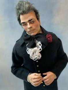 Artisan Miniatur Dollhouse vintage selten Marcia AK hübscher georgischen Mann | eBay Dollhouse Dolls, Miniature Dolls, Dollhouse Miniatures, Artisan, Handsome, Graphic Sweatshirt, Vintage, Sweatshirts, Ebay