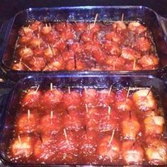 Bacon Wrapped Water Chestnuts III Ingredients: 1 cup packed brown sugar 2 tablespoons Worcestershire sauce 2 cups ketchup 1 pound bacon 2 ounce) cans water chestnuts Appetizer Salads, Yummy Appetizers, Appetizers For Party, Appetizer Recipes, Party Snacks, Dessert Recipes, Desserts, Bacon Water Chestnuts Recipe, Bacon Wrapped Water Chestnuts