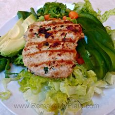 Low Carb / Keto Cilantro Chicken Burgers - Remake My Plate Low Carb Dinner Recipes, Keto Dinner, Keto Recipes, Baked Pesto Chicken, Cilantro Chicken, Keto Chicken, Low Carb Coleslaw, Keto Burger, Delicious Burgers