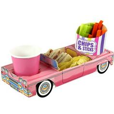 Pink Cadillac food tray with two compartments for a drink and party food of your choice. Size: long x 12 cm wide x high x x ). Manufactured from FSC certified paper board; fully compostable and recyclable Please note, cup and chip scoop are not included. Snack Box, Lunch Snacks, Lunch Box, Retro Cafe, Retro Diner, Rainbow Treats, Rainbow Food, Party Food Trays, Packaging