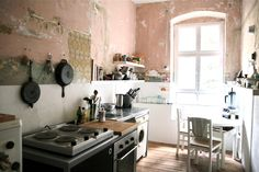 kitchen // dinning // minimal // small // apartment // house // living