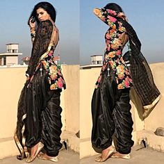 Get your patiyala and short kurti dress customise Colours , size is available clothingforwomen designerclothes theclothingpalette designs customisation prefection fasionunsta fashionknowledge happydresses Indian Suits, Indian Attire, Indian Dresses, Indian Wear, Patiala Dress, Punjabi Dress, Patiala Salwar, Punjabi Salwar Suits, Sharara
