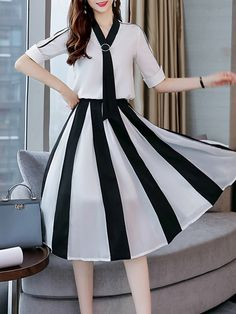 Excellent boho dresses are offered on our site. look at this and you wont be sorry you did. Cheap Maxi Dresses, Casual Dresses, Floral Maxi Dress, Dress Skirt, Dress Outfits, Fashion Dresses, Classy Work Outfits, Stylish Sarees, Frock Design