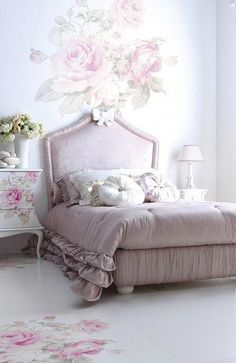 A Shabby Chic Living Room – Decorating On a Budget – Shabby Chic Talk Shabby Chic Living Room, Shabby Chic Bedrooms, Shabby Chic Homes, Trendy Bedroom, Shabby Chic Furniture, Shabby Chic Decor, Living Room Decor, Aqua Bedrooms, Interiores Shabby Chic