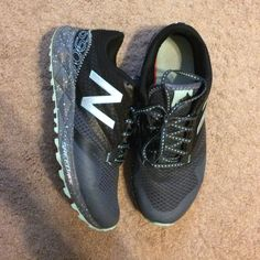 New Balance 690- price negotiable! Great condition, worn a handful of times. New Balance just aren't for me. Unique color & pattern! They are more blue than green. These are an 8.5 WIDE. Price negotiable! New Balance Shoes Athletic Shoes
