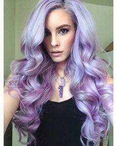 Idée Couleur & Coiffure Femme 2017/ 2018 : Imagen vía We Heart It weheartit.com/ #curls #hair #pale #purple