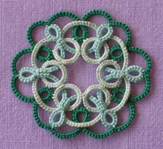 Celtic knot in tatting designed by Sue Hanson (UK) 1999: variation tatted by Judith Connors