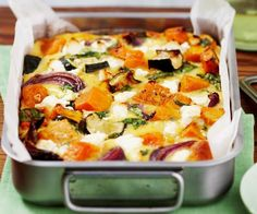 Roasted pumpkin spinach and feta slice is part of pizza - Method Toss pumpkin, zucchini and onion in prepared baking dish with oil, season to taste and spread out Bake for 1520 minutes, or until vegetables are golden and tender Vegetable Dishes, Vegetable Recipes, Vegetarian Recipes, Healthy Recipes, Vegetable Bake, Vegetable Slice, Vegetarian Cooking, Roast Vegetable Frittata, Vegetarian Quiche