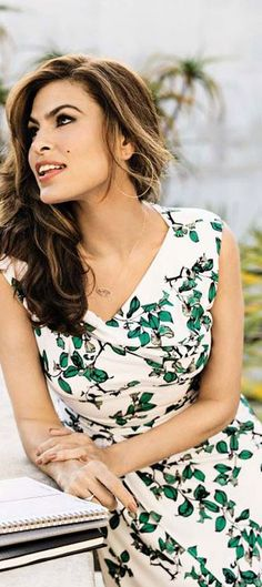 Who made  Eva Mendes' white floral dress?