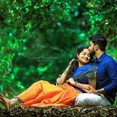 Liebe in Kerala - Couple Photography Poses - Indian Wedding Couple Photography, Wedding Couple Photos, Couple Photography Poses, Photography Ideas, Outdoor Wedding Photography, Girl Photography, Wedding Couples, Pre Wedding Poses, Pre Wedding Shoot Ideas