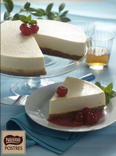 Pastel de queso con chocolate blanco y frambuesas