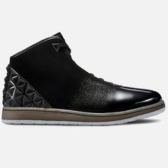 The Jordan Instigator Men's Shoe offers a luxurious look and feel with a full-grain leather upper, quilted collar lining and injected unit sole that's durable enough to double as an outsole.  Full-grain leather upper for durable comfort External TPU heel counter enhances support Quilted collar lining offers plush comfort Injected unit sole for cushioning and reduced weight Rubber outsole with triangle patterns for durable traction on different surfaces Graphic details for a unique look  The…