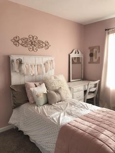 enhancing a lady bed room with attractive accessories is something that can add a feeling of convenience in the room. Additionally, by utilizing attractive design. Teenage Girl Bedroom Designs, Bedroom Decor For Teen Girls, Teenage Girl Bedrooms, Teen Room Decor, Teen Room Colors, Girl Rooms, Rustic Girls Bedroom, Bedroom Colors, Farmhouse Bedroom Decor