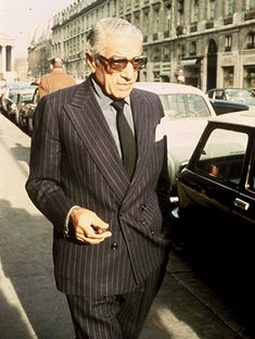 Aristotle Onassis , exceptional personality, famous Greek and a famous women's charmer . Los Kennedy, Jacqueline Kennedy Onassis, Love Fashion, Mens Fashion, Celebrities Then And Now, Maria Callas, Savile Row, Famous Men, Famous Faces