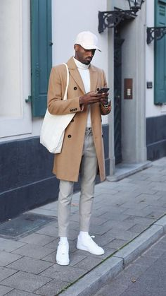 5 Minimalist Outfits Are So Cool. -These 5 Minimalist Outfits Are So Cool. - These 5 Minimalist Outfits Are So Cool. L'image contient peut-être : une personne ou plus, personnes debout et chaussures Stylish Mens Outfits, Business Casual Outfits, Fall Fashion Outfits, Mens Fashion, Fashion Edgy, Edgy Outfits, Fashion Ideas, Fashion Trends, Mode Masculine