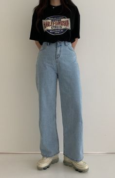 Mom Jeans Outfit, Mom Outfits, Korean Outfits, Casual Outfits, Casual Clothes, K Fashion, Korean Fashion, Fashion Outfits, Kfashion Ulzzang