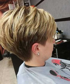 Hair Beauty - 43 Fascinating Pixie Haircut Ideas For Short Hair To Try Now Bob Hairstyles For Fine Hair, Short Pixie Haircuts, Pixie Hairstyles, Short Hairstyles For Women, Haircut Short, Medium Hairstyles, Short Hair With Layers, Short Hair Cuts For Women, Short Hair In Back