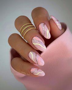 Almond Acrylic Nails, Best Acrylic Nails, Almond Nails Pink, Almond Nail Art, Chic Nails, Stylish Nails, Oval Nails, Pink Nails, Glitter Nails