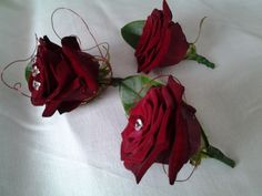 Red rose and crystal pin decor button holes