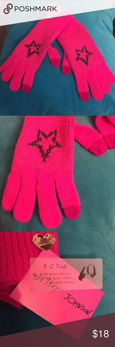 🆕 🎄Betsey Johnson Text-Enabled Gloves🎄 Authentic Betsey Johnson Text-Enabled (E-Z Tap) Gloves. Women. Also Tweens & Teens. OS. Bright Pink with an underlay of Metallic Charcoal Grey Threads on the Fronts & Palms. Also has a Blinged Out Charcoal Grey Star on the Front of Each Glove. Darker Pink Tips on the 2 E-Z Tap Fingers on Each Glove. Betsey Johnson Silver Heart only on the Right Glove. Cuffs cover your wrist. 70% Acrylic. 20% Polyester/10% Metallic. Brand New. Excellent Condition. No…