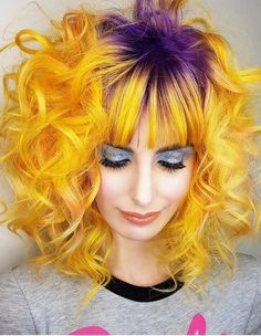 The stunning hair color ideas for curly hair in 2018. Look at these awesome trends of hair colors for medium curls to make you look amazing and cute. These ideas are best for women who're looking for cool hair color trends in 2018.