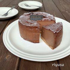 【生クリームやバター不要】なめらかベイクドチーズケーキ | riyusa日和。ザッパレシピで褒められおやつと時々おかず Homemade Sweets, Japanese Sweet, Cheesecakes, Vegetarian Recipes, Food And Drink, Chocolate, Baking, Breakfast, Desserts