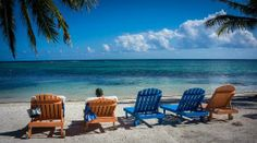 Ambergris Caye, Belize: Relaxing on the beach out front of our room