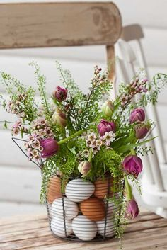 Ana Rosa - Tulips 'n Heather, in a wire egg basket.