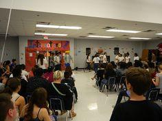 Mirando las interpretaciones de bailes internacionales.