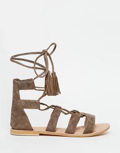 FRICHIC - Mini Trend: Gladiator Sandals