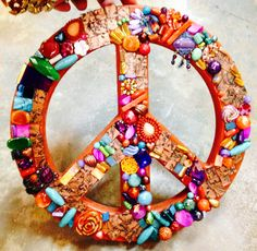 Peace sign made with beads and stones vintage beads. Keep The Peace, Make Peace, Peace And Love, Hippie Peace, Hippie Love, Peace Sign Art, Peace Signs, Bohemian Party, Give Peace A Chance