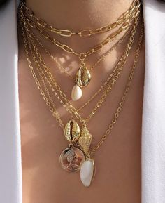 Sideways Heart necklace / Gold Sideways Diamond Heart in Micro Pave Setting / Gift for Her / Graduation Gift - Fine Jewelry Ideas Diy Jewelry Rings, Shell Jewelry, Dainty Jewelry, Cute Jewelry, Jewelry Art, Jewelry Accessories, Jewelry Design, Fashion Jewelry, Spoon Jewelry