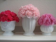 DIY: Flowers made from plastic tablecloth DIY: Flowers made of plastic tablecloth Faux Flowers, Diy Flowers, Fabric Flowers, Handmade Flowers, Flower Crafts, Beaded Flowers, Colorful Flowers, Paper Tablecloth, Plastic Tablecloth