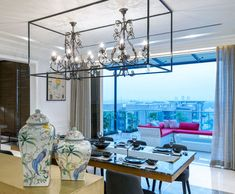 http://inditerrain.indiaartndesign.com/2017/01/urban-revivalism.html Urban Revivalism: This urban chic penthouse is an eclectic composition of revival furniture and components sensitively referenced into a contemporary idiom. Check it out and tell us what you think...