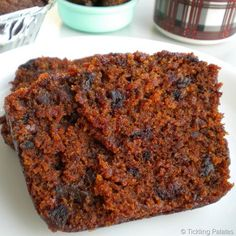 Gluten Free Eggless Dates Cake - If you substitute the sugar and oil, you can make it healthy! paleo dessert no eggs Eggless Dates Cake Recipe, Eggless Recipes, Eggless Baking, Vegan Baking, Fruit Recipes, Cookie Recipes, Dessert Recipes, Banana Recipes, Recipies