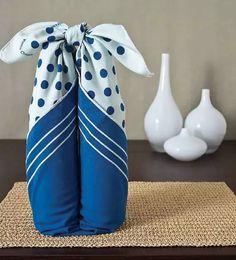 Furoshiki Fabric Wraps: Japanese Furoshiki uses pretty fabric that you can wrap… Japanese Gift Wrapping, Japanese Gifts, Furoshiki Wrapping, Gift Wraping, Fabric Gifts, Japanese Fabric, Wine Gifts, Wraps, Handmade