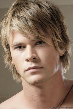 A younger Chris Hemsworth Photoshoot