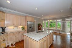 7940 Landowne Dr. kitchen