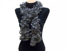echarpe volants couleur gris - dimension +- 1,20m - 13€