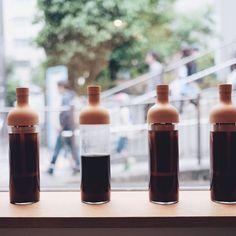 Hario Filter-in Cold Brew Coffee Bottles are full in action! ハリオフィルターインボトルが今日もせっせとおいしい水出しコーヒーを抽出中です  http://ift.tt/2rBweE6  #kurasugoods #kurasukyoto