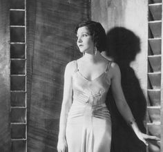 Claudette Colbert Claudette Colbert, Silent Film, Old Hollywood, Actresses, Beauty, Silver, Fashion, Female Actresses, Moda