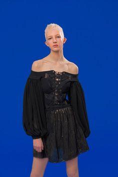 Antonio Berardi Resort 2020 Fashion Show Vogue Paris, Antonio Berardi, Star Fashion, Fashion Show, Womens Fashion, Fashion Trends, Models, Mannequins, Catwalk