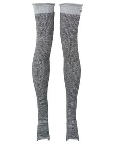 Chaines Leg Warmer from Sweaty Betty for layering during yoga / mid-thigh version with foot stirrup in hunky stone knit with contrast hem, made from natural fibers