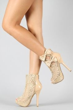 3 Bow Floral Lace Bootie! I think I just FELL IN LOVE! <3