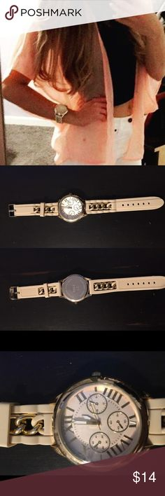 """🎀 Cream and Yellow Gold Watch 🎀 Cream and Yellow Gold Watch. Cream colored jelly straps embellished with yellow gold chain links. In good condition. Approx 9"""" long. Needs battery. Purchased from Windsor store.  ❣️Offers welcome ❣️NO holds ❣️NO trades WINDSOR Accessories Watches"""