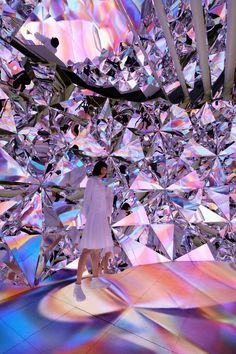Prismverse: An Installation of Geometrical Tessellated Mirror Walls - Design Milk A jaw-dropping, immersive installation by XEX called Prismverse that might make you feel like you're living inside of a diamond. Installation Interactive, Projection Installation, Interactive Art, Art Installations, Fashion Installation, Event Design, Design Awards, Mirror Art, Mirror Walls