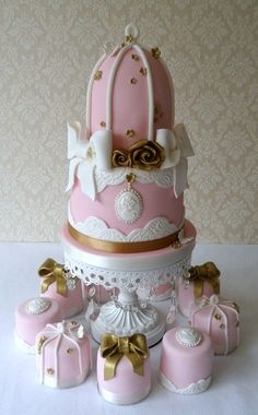Bird Cage Wedding Cake  Bunches of wedding cake ideas on this site!!  love it!