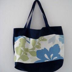 Cabas en coton bleu imprimé floral